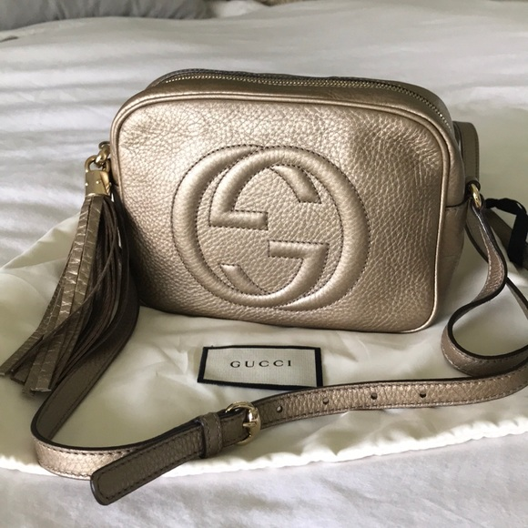 Gucci Handbags - Gucci soho small leather disco bag.